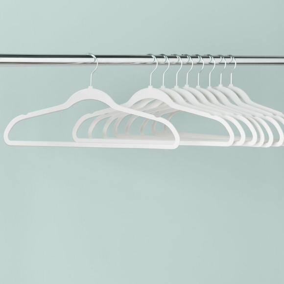 NWT   Velvet Non-Slip White Hangers (Set of 50)